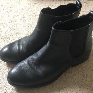 EUC Cole Haan Black Chelsea Boots Sz 9
